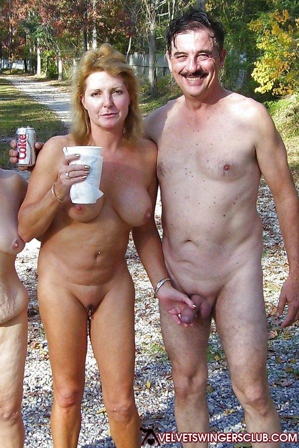 любительское семейное фото голыме